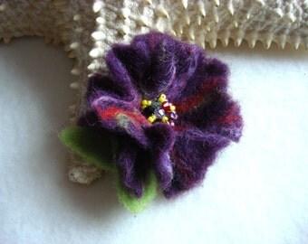 Small Purple Felted Flower Brooch Pin,Wool Felt, Felted Wool,Hat Pin, Flower Brooch, Flower Pin Brooch, Flower Pin, Beaded Flower, Small Pin