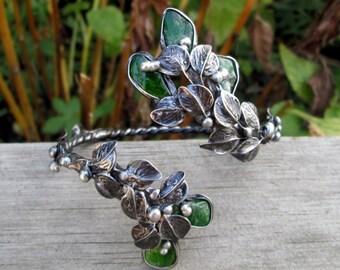 metal  bracelet with   Naturаl  Chrome Diopside