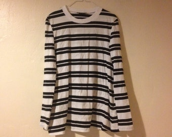 Long Sleeve Black and White Striped T-shirt Top Tunic Minimal Chic Blogger XS