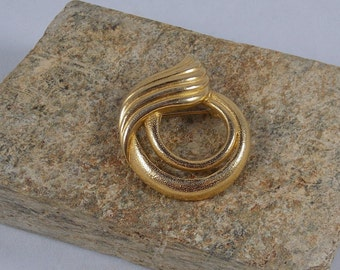 """Gerry's Contemporary Gold Tone Brooch ~ Hallmarked """"Gerry's"""""""