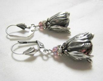 Victorian Nouveau Vintage Style Large Leaf Dangle Earrings Antique Silver plated Dusty Pink Mauve Purple Bead Lever Back Rhinestone