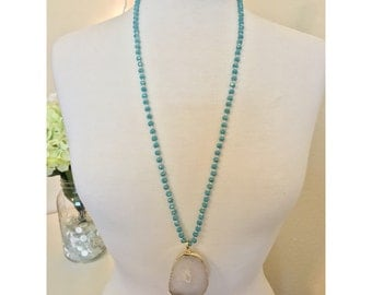 Teal Hand-knotted Beaded Necklace with Agate Pendant