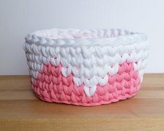 Crochet Bowl - Pink and White Pyramids - Tshirt Yarn