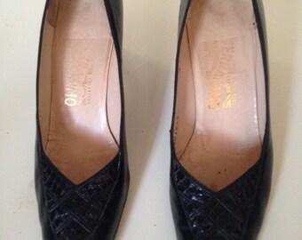 Vintage 1980's Ferragamo Black Leather and Snakeskin Pumps - US Ladies 9