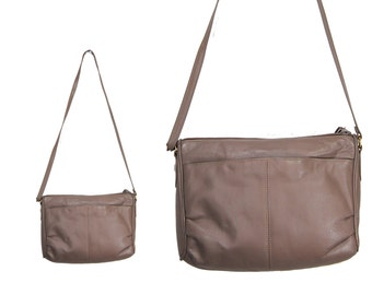 Grey Leather Shoulder Bag With Cinched Rounded Corners by Mervyn's // H238