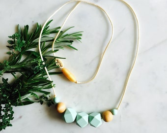 Nursing Necklace Teething Chewelry minimalist Modern Chewable Necklace Natural Wood Silicone Bead Necklace, Baby Shower Gift Mom - Mint