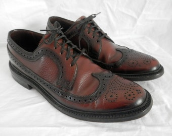 Men's Vintage Weyenberg Lace Up Oxfords Size 8 B (Narrow) | Chestnut Brown Leather Wingtips -  50s Mid Century