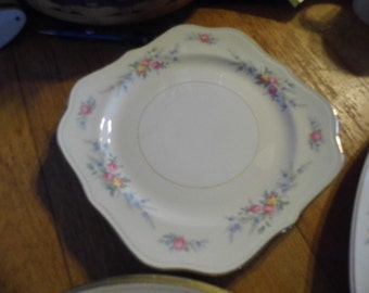 Nautilus (Eggshell) China Set Floral