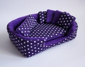 cosy cuddle cup / bed / lounge with waterproof blanket and 5 pillows for guinea pigs or hedgehogs (stars on purple/purple)