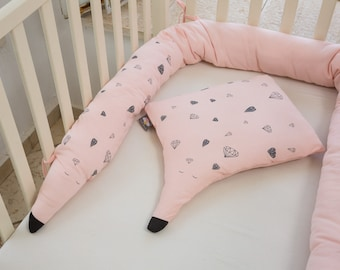 Baby bed bumper and pillow set