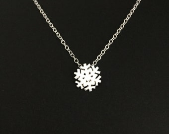 Delicate Sterling Silver Snowflake Necklace. Silver Snowflake Pendant. Simple Necklace. Winter Snowflake Pendant. Gift for Teen Girls.
