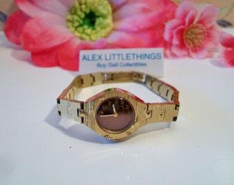 Vintage Caravelle France Ladies Wrist Watch Retro Gold Tone