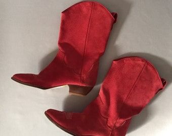 fire engine red cowgirl boots | 80s Liz Claiborne suede booties | 7.5