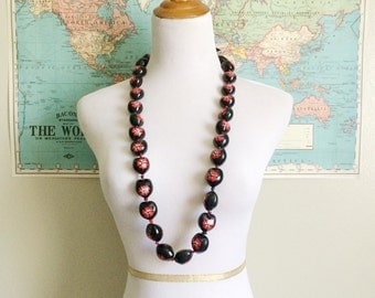 Black and Red Plumeria Flower Beads Necklace