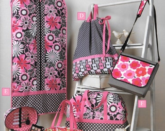 Trendy Totes and Carry Carryalls, Sewing Book by Cindy Taylor Oates, Six Great Projects, New Pattern Booklet