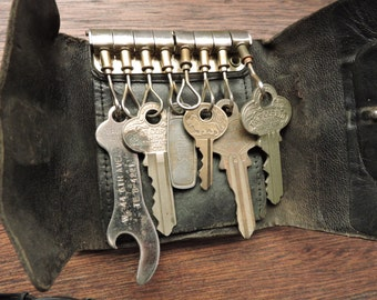 Great Uncle Rolf's House and lock Keys