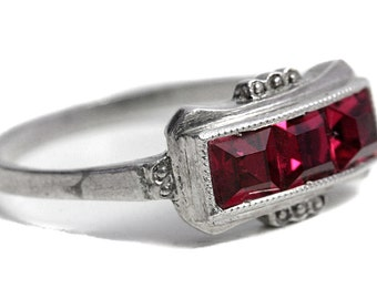 Ring antique Art Deco Ruby Red Glass 835 Silver