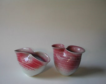 Red and White Pinched Porcelain Pair Set