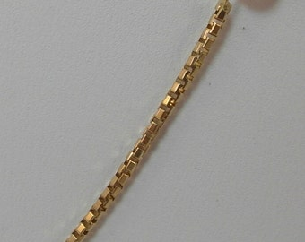 A  14K Yellow Gold Box Chain 18 in