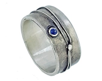 Wired Ring; silver & sapphire. UK size S 1/2, US 9 3/8