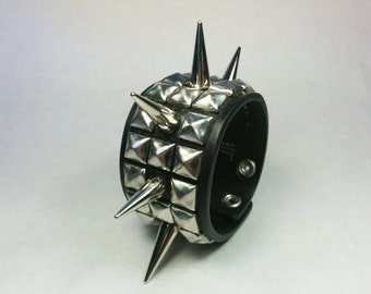 Spiked Leather Bracelet, Spiked Leather Cuff, Pyramid Stud Bracelet, Pyramid Stud Cuff, Studded leather Bracelet, Studded Leather Cuff