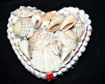 Shell Jewelry Box, Needs three tiny shells, Vintage, Beach decoration decor, Shabby Chic, #1792