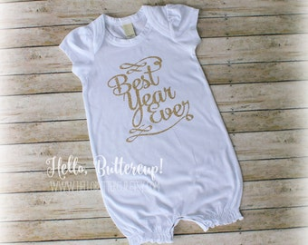 First Birthday Romper, Girls First Birthday Outfit, Cake Smash Outfit, Best Year Ever, 1st Birthday Girl, One Bodysuit, Gold Glitter shirt