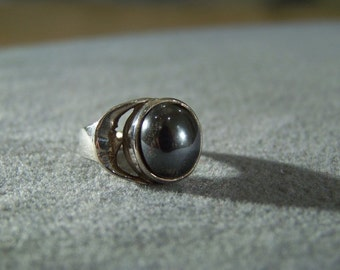 Vintage Sterling Silver Round Grey Cultured Pearl Bold Moon Design Band Ring, Size 7 W