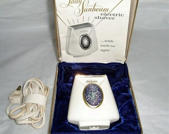Lady Sunbeam electric shaver with built in light- 1960s electric shaver- vintage shaving- women's electric shaver- 60s shaving- women shaver