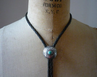 Vintage Navajo Native American Sterling Silver Natural Green Turquoise Bolo Tie Necklace