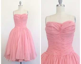 50s Pink Nylon Sweetheart Ruched Party Dress / 1950s Vintage Strapless Bombshell Prom Dress / Medium / Size 8