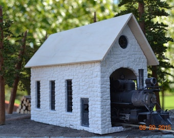 O/On30 Scale Stone Locomotive/Engine Shed 1:48 Hydrocal Model Railroad Building Kit