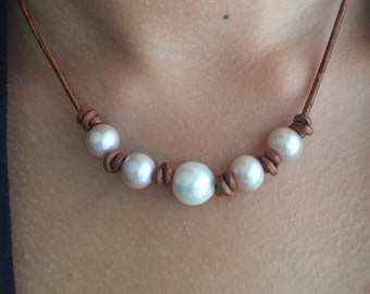 Leather pearl necklace, leather and pearls, pink pearls, leather pearl, pearls, pearl necklace, pearl jewelry, freswater pearl necklace