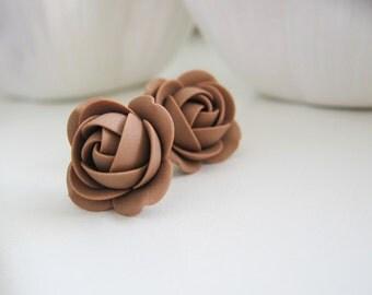 Polymer clay earrings - Cocoa Brown rose flower stud earrings