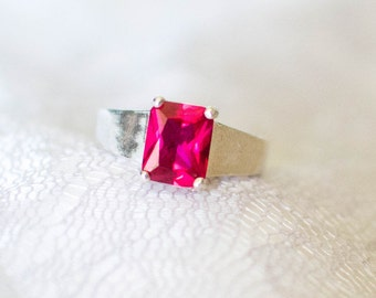 Red Gemstone Solitaire Size 7