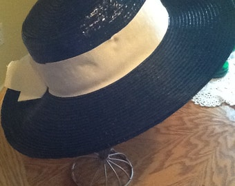 Ladies Vintage Straw Hat