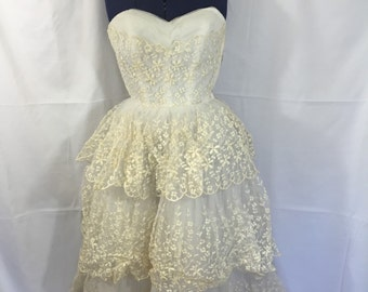 Vintage Tea Length Wedding Dress - Size Small - Vintage Wedding Gown - Vintage Prom Dress - 50's Wedding - 60's Wedding  - Vintage Wedding