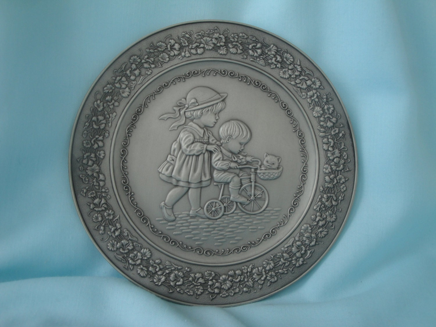 Pewter Plate Hallmark Chart England: 1983 Pewter Children At Play Hallmark Plate/Limited Edition