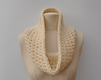 Cream crocheted chunky cowl