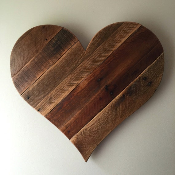 Heart Wall Decor With Pictures : Rustic reclaimed large pallet wood heart wall
