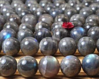 37 pcs of Natural Labradorite smooth round beads in 10mm