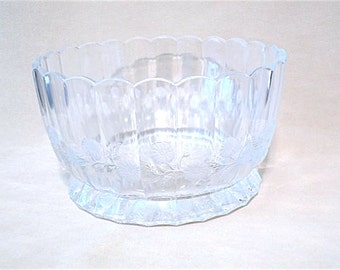 Vintage 80's Large Cut Crystal Bowl with Laurel Pattern, Leaded Crystal, Clear Crystal, Glamour, Classic Beauty, Large Bowl. Serving Bowl