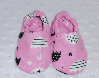 Baby Booties, Baby Gifts, Baby Crib Shoes, Baby Moccs, Baby Shoes, Baby Slippers, Pink Baby Slippers, Umbrella Baby Slippers, Umbrella Shoes