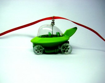 George Jetson The Jetsons Bubble Capsule Cartoon Space Car Ornament