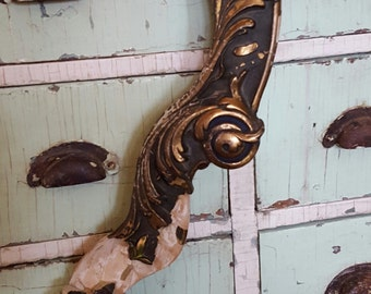 Architectural ORNATE Wood Fragment Salvage