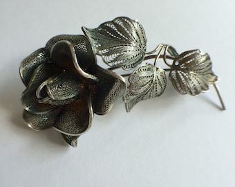 900 Large Silver Filigree Rose Pin