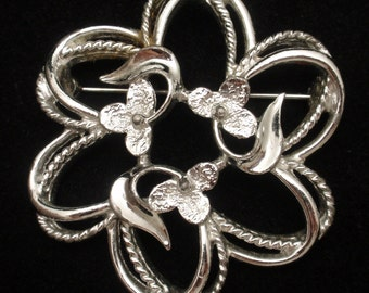 Open Design Flower Pin Vintage Sarah Coventry