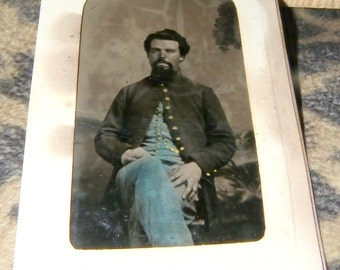tintype CIVIL WAR SOLDIER  tinted  aprox 4inx2.5 in