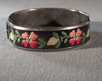 Vintage Silver Tone Unique Ribbon Floral Embroidered Bangle Bracelet     **RL