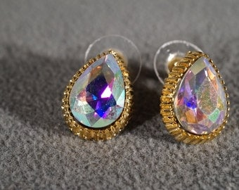 Vintage Yellow Gold Tone Pierced Aurora Borealis Pear Shaped Rhinestone Earrings Jewelry     KW32